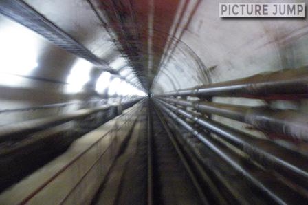 青函トンネル記念館 ケーブルカー「もぐら号」に乗車して津軽海峡の海面下140mへ