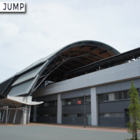 高知駅に架けられた大屋根の名称は「くじらドーム」