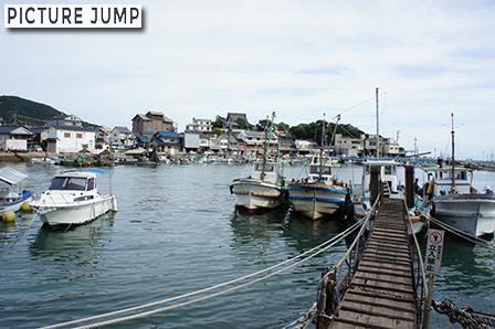 鞆港は今もほぼ江戸時代そのままの形状が残る港