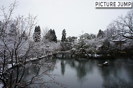 南禅寺 放生池の雪化粧