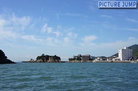 離れゆく鞆の浦と弁天島