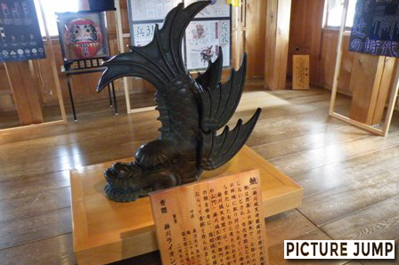 掛川城天守閣据付け原寸大複製「鯱」