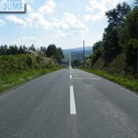 上富良野・ジェットコースターの路。激しいアップダウンの繰り返しが約4km続く道